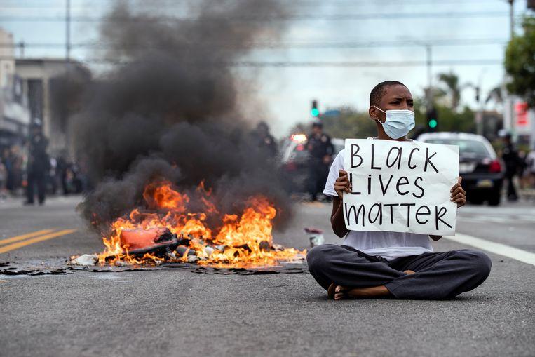 Grote mediabedrijven als Netflix, YouTube en HBO hebben online hun steun uitgesproken voor de Black Lives Matter-beweging.