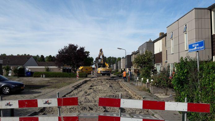 De werkzaamheden in de Willem Alexanderstraat in Kortgene zijn in volle gang.