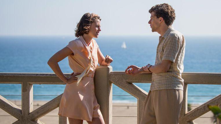 Kristen Stewart en Jesse Eisenberg in Café Society Beeld Sabrina Lantos