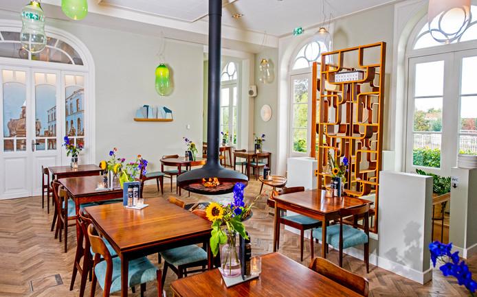 In het interieur van De Witte Dame is veel hout verwerkt.