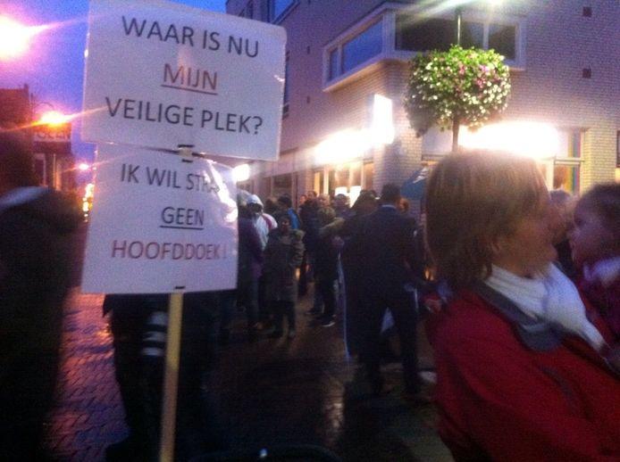 Protest in Steenbergen tegen komst azc.