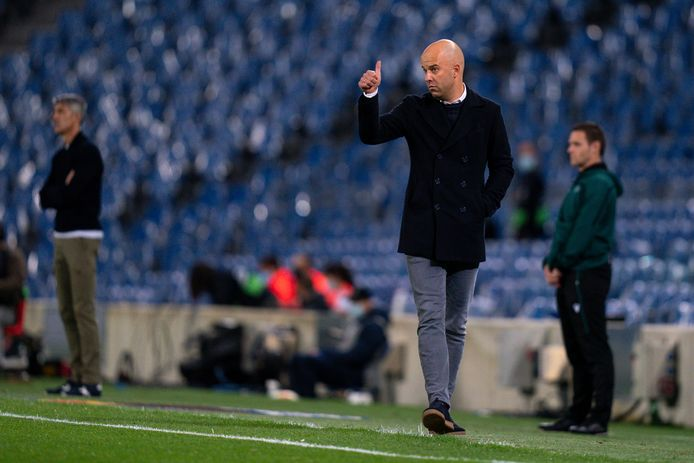 05-11-2020: Voetbal: Real Sociedad v AZ: San Sebastian UEFA Europa League group stage L-R: coach Arne Slot of AZ Alkmaar