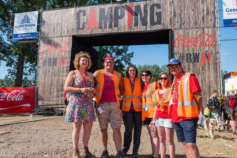 An Boumans (links) met enkele medewerkers van Camping A1.