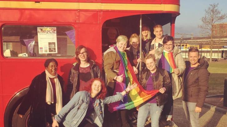 Twentse scholen kleuren paars: Aandacht voor seksuele en genderdiversiteit
