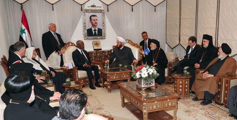 Kofi Annan afgelopen weekeinde op bezoek in Syrië. Beeld epa