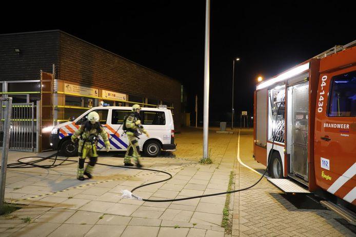 De brand in het fietsenhok van een basisschool in Kampen kon snel worden geblust.