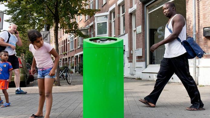 De groene bakken vallen meer op en bewegen mensen onbewust om hun afval eerder in de bak te gooien dan op de grond.
