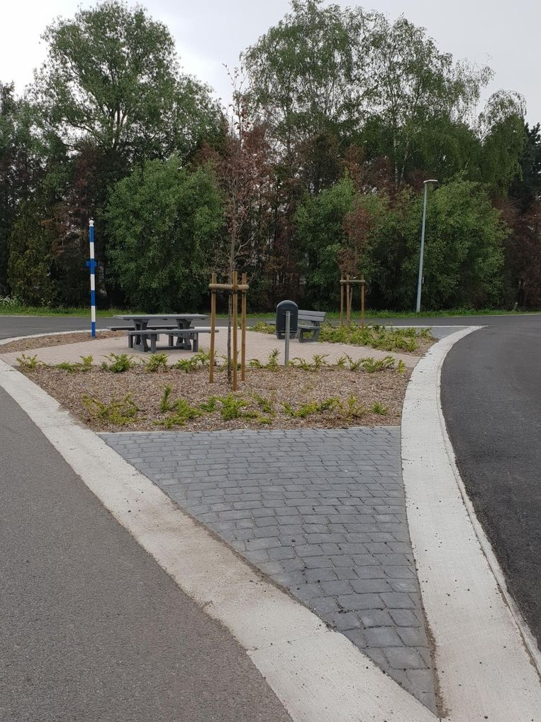 Het pleintje op kruispunt Duinberg-Pontfortsedijk.