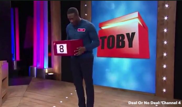 De Britse bobsleeër Toby Olubi won 12.000 Britse pond bij de tv-show Deal or no Deal