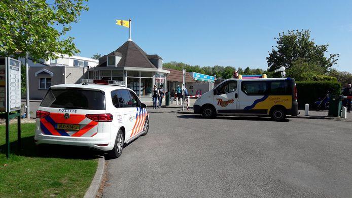 De politie was nodig om de bezetting van een kavel op Roompot Beach Resort te beëindigen.