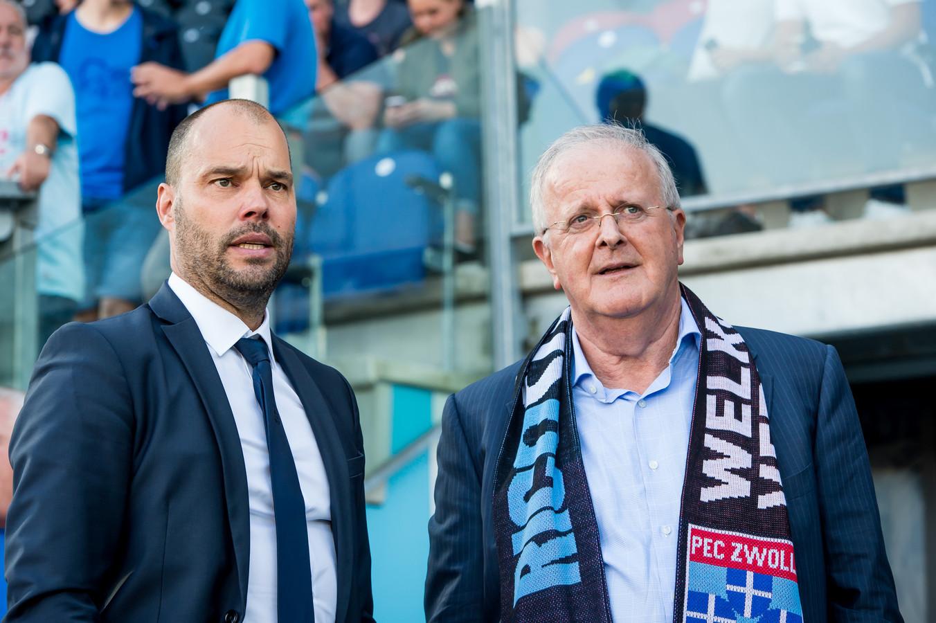 """PEC Zwolle is, bij monde van Adriaan Visser (rechts), niet blij met het verplaatsen van de 33ste speelronde in de eredivisie. ,,Je grijpt in alle agenda's in."""""""