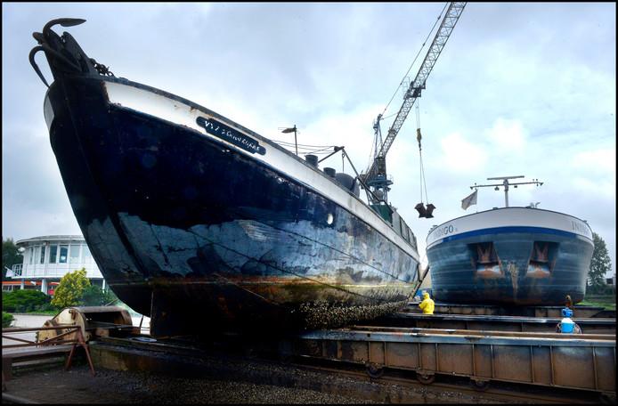Schepen op de werf Shipyard Gelria.