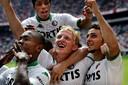 Vreugde bij Feyenoord na de 0-2 van Dirk Kuyt tegen Ajax.