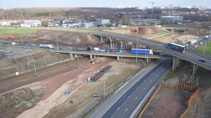 Aanleg gestart van 463 meter lange superbrug over knooppunt E17 met R1