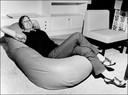 Huishoudbeurs door de jaren heen. In de jaren 50, 60 en 70 wachten veel producenten de beurs af om hun nieuwste product te demonstreren zoals deze zitzak.