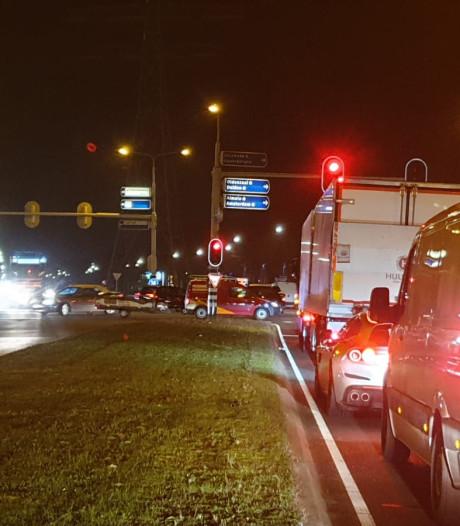 Verkeer van Enschede naar Almelo muurvast door ongeval