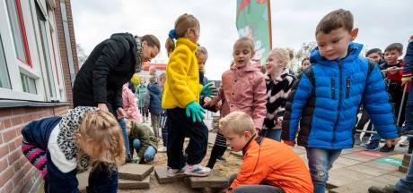 Weghalen stenen uit schoolplein voorbeeld voor heel Lingewaard: 'Leerlingen wisten van geen ophouden'