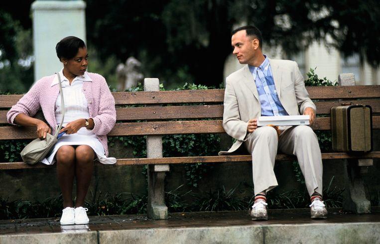 Tom Hanks (rechts)  en  Rebecca Williams (links)  in Forrest Gump. Beeld