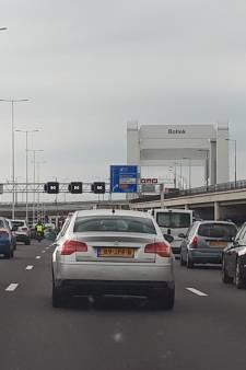 'Maak al vóór tunnel aparte rijbaan naar Spijkenisse'