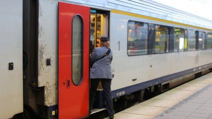 Verschillende daders vallen treinbegeleider aan in Doornik en eisen zijn geld