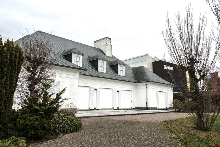 Niemand wil deze villa verbouwen voor 1,8 miljoen euro.