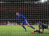 Vardy en Leicester delen Arsenal late dreun uit