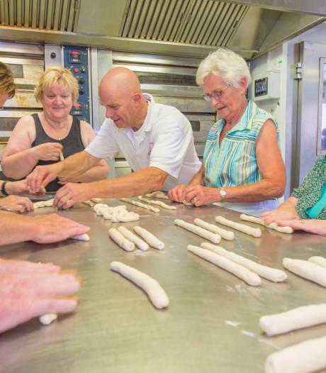 Alleen is maar alleen: senioren samen aan de slag in bakkerij Haarsteeg
