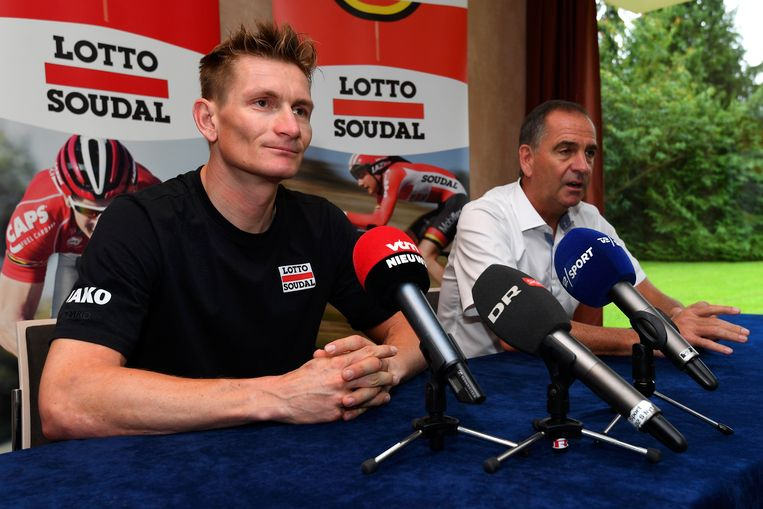 Tour anno 2016: Marc Sergeant naast zijn sprintkanon Greipel.