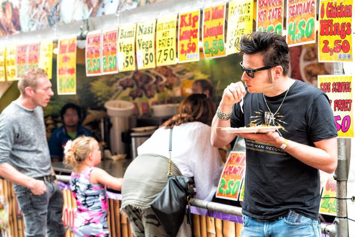 Indonesisch eten op het Grotekerksplein.