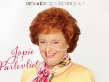 Richard Groenendijk lanceert als Jopie Parlevliet single 'Tebbie nou op je muil?'