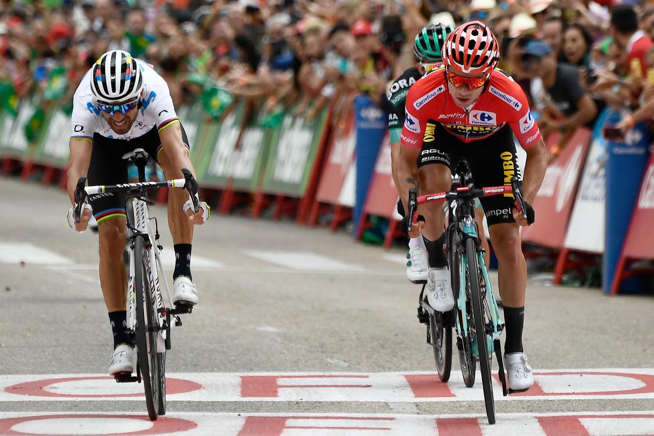 Primoz Roglic won de sprint om de tweede plaats.
