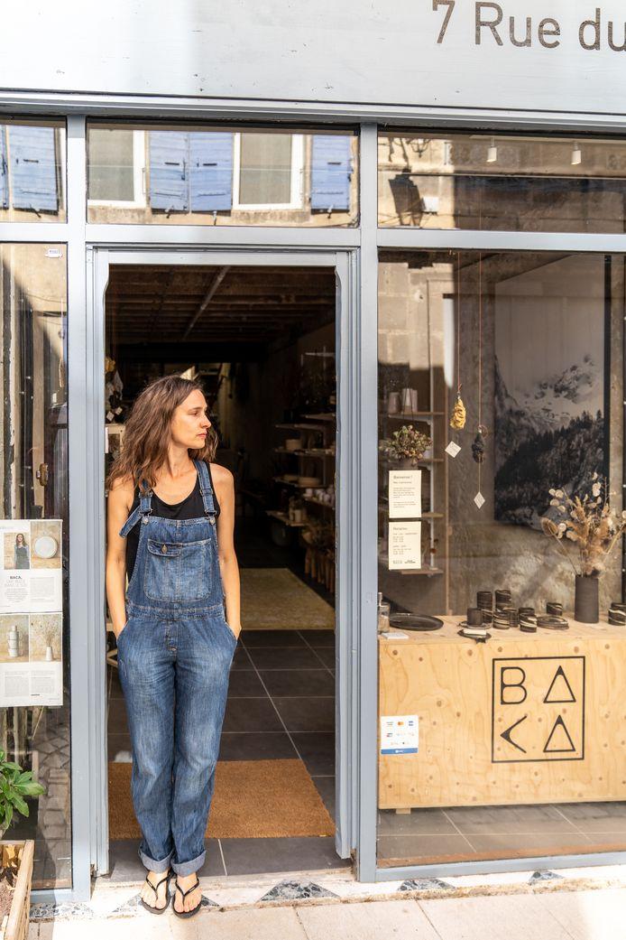 Achter haar winkel ligt ook het atelier van Griet.