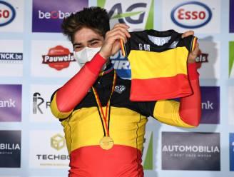 """Supporters zien Belgische titels veldrijden bij mannen en vrouwen al voor vierde keer naar Lille gaan: """"We verwachten allemaal dat Wout en Sanne winnen, maar het blijft speciaal"""""""