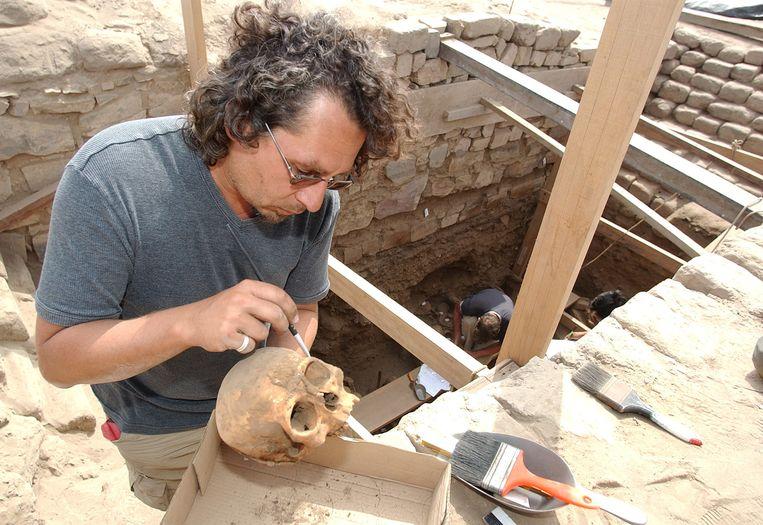 Archieffoto: Belgische archeoloog Peter Eeckhout in Pachacamac, Peru.