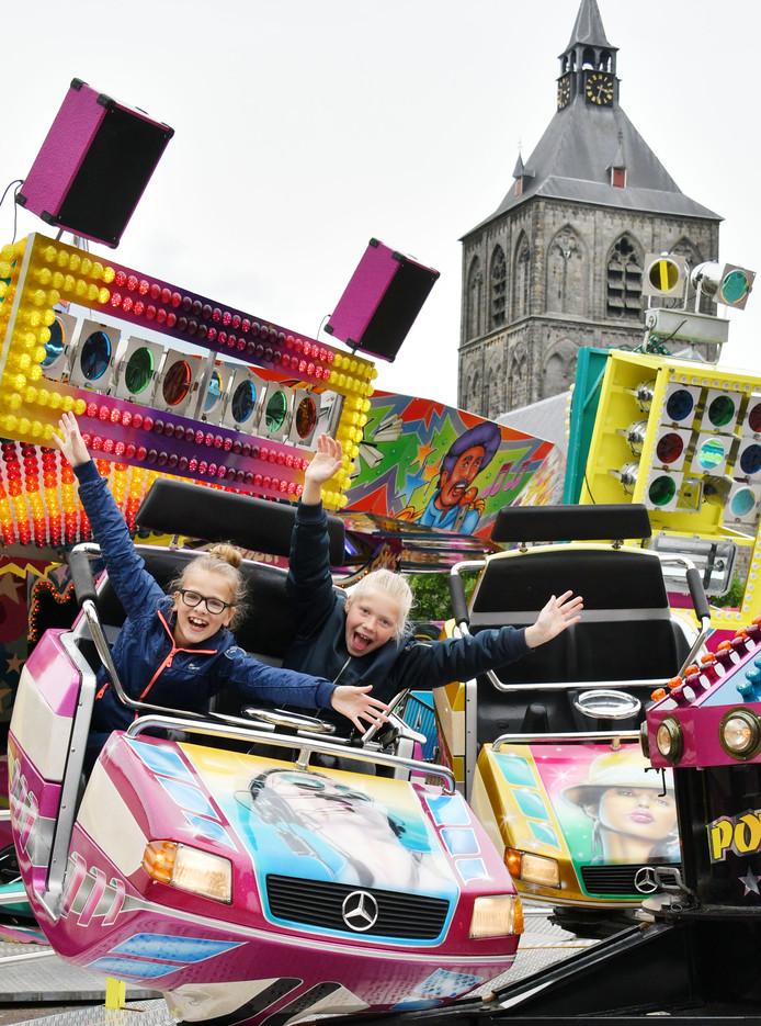 Oldenzaal - voorjaarskermis op de Ganzenmarkt voor het stadhuis editie OL         Foto Carlo ter Ellen DTCT CTE20170518