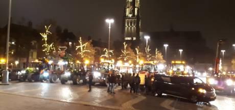 Bouwers protesteren tegen politie in Arnhem: 'Klaar met het machtsmisbruik'