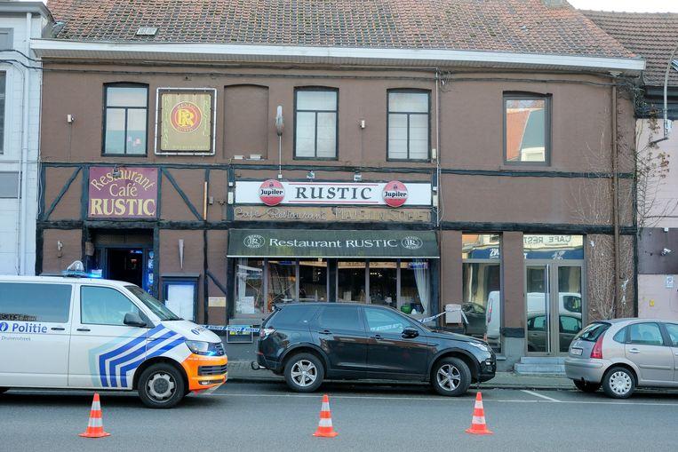De voorkant van het restaurant bleef gevrijwaard.