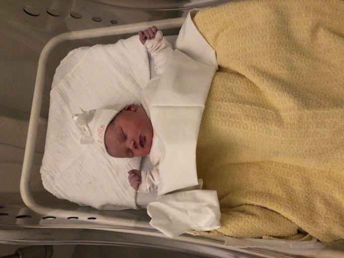 Vannacht om 2:20 uur zijn Priscilla en Chris trotse ouders geworden van gezonde dochter Jaycee-Loïs.