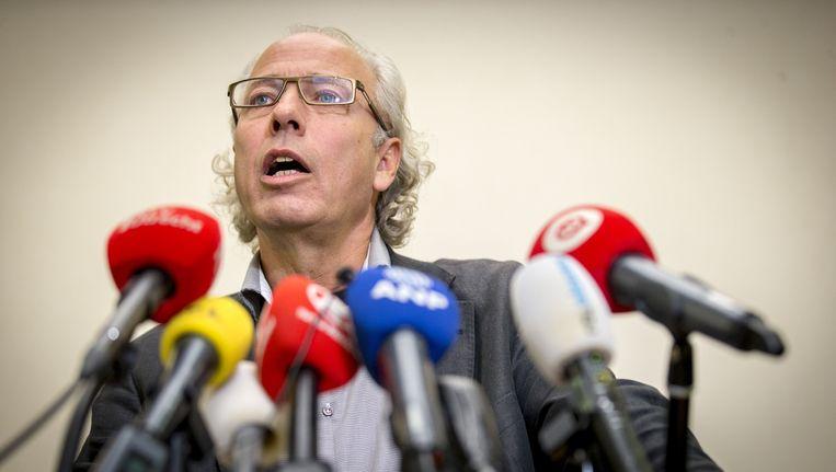 Burgemeester van Woerden, Victor Molkenboer, tijdens een persconferentie over de gecoördineerde aanval op de vluchtelingenopvang in Woerden Beeld anp