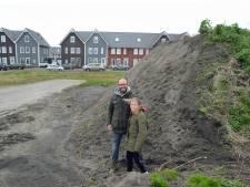 Bewoners klagen over zandhopen Noorderpolder: 'Eén grote stofbende'