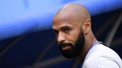 """Thierry Henry hakt knoop door en vertrekt bij Sky: """"Om meer op het veld te kunnen staan"""""""
