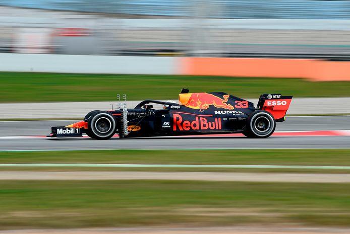 Max Verstappen in zijn Red Bull tijdens de testdagen in Barcelona in februari.
