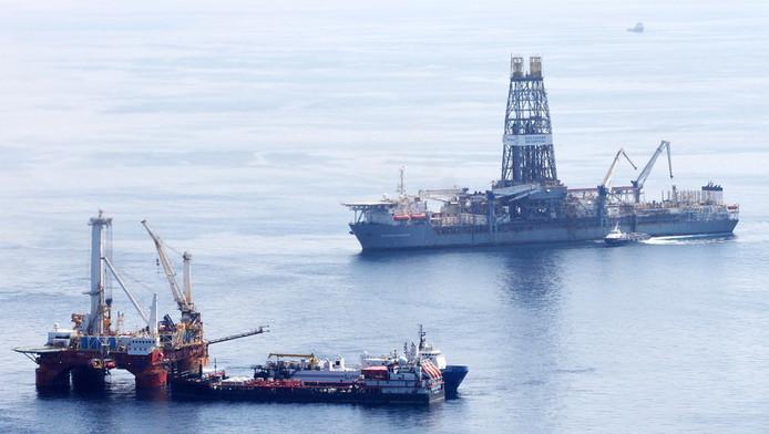 Augustus 2010: het platform Deepwater Horizon wordt geborgen.