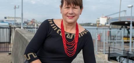 Eredoctoraat voor schrijfster Carolijn Visser