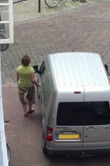 Vrouw bekrast busje in binnenstad Amersfoort