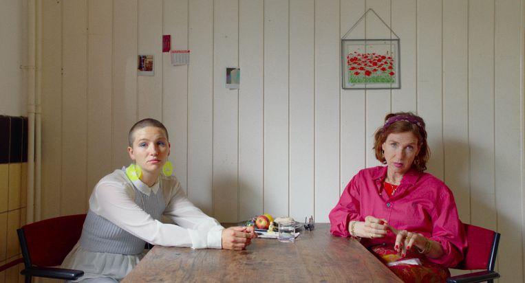 Leyla de Muynck en haar moeder (Elsie de Brauw) hebben een gecompliceerde band. Beeld