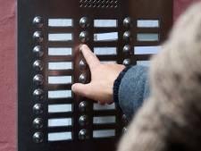 Colportage in West-Brabant: Teteringse mevrouw vertrouwde verkopers van personen-alarmering al niet