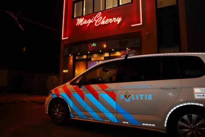 De overval op Magic Cherry in Veenendaal mislukte doordat de daders niet door een glaswand konden slaan.