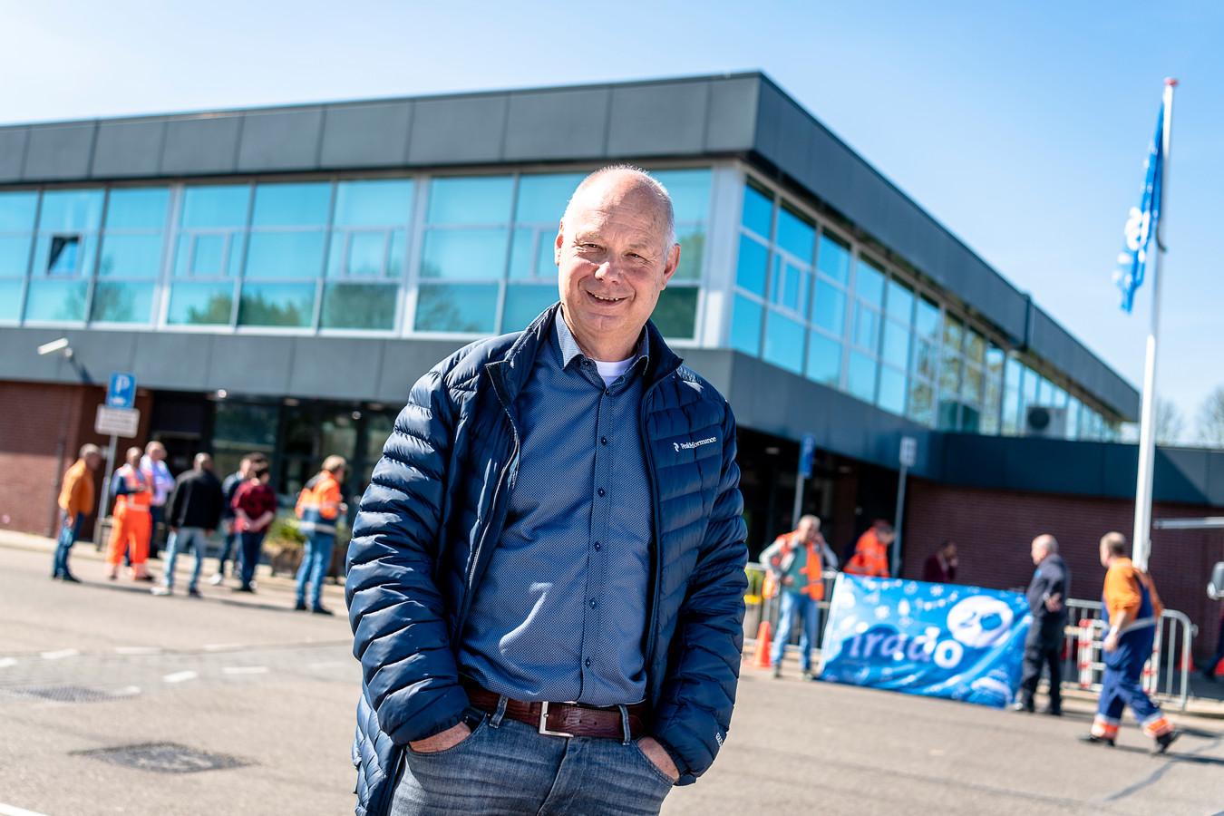 André Hertog viert dubbel feest: Niet alleen Irado bestaat twintig jaar, hij is ook al twee decennia directeur van de afvalinzamelaar van Schiedam, Vlaardingen en Capelle aan den IJssel.