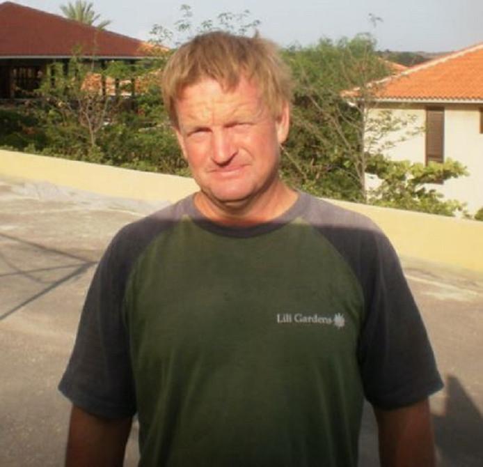 Hovenier Ronald Molenaars verruilde Beverwijk twaalf jaar geleden voor Curaçao omdat hij 'beter weer' wilde.